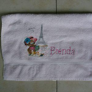 Marconellie geborduurde handdoeken